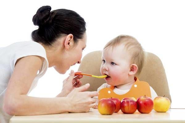 Hướng dẫn các mẹ cách cho con ăn dặm từ A đến Z