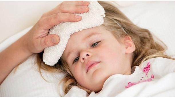 Cách hạ sốt cho trẻ đơn giản tại nhà
