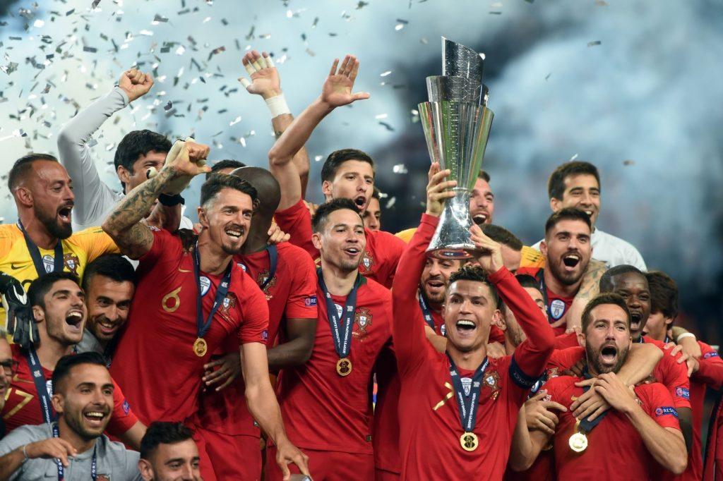 Tin tức bóng đá: Giải bóng đá Euro mấy năm 1 lần tổ chức?